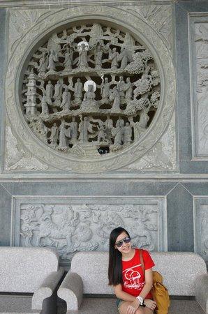 Avalokitesvara Graha Temple (Guan Yin Temple): The temple design