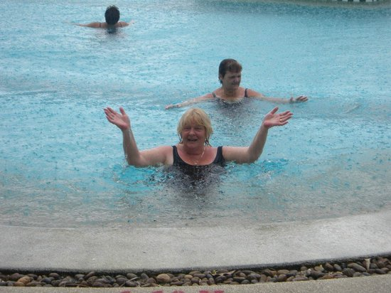 Chaba Cabana Beach Resort : The only wet day - best in the pool!