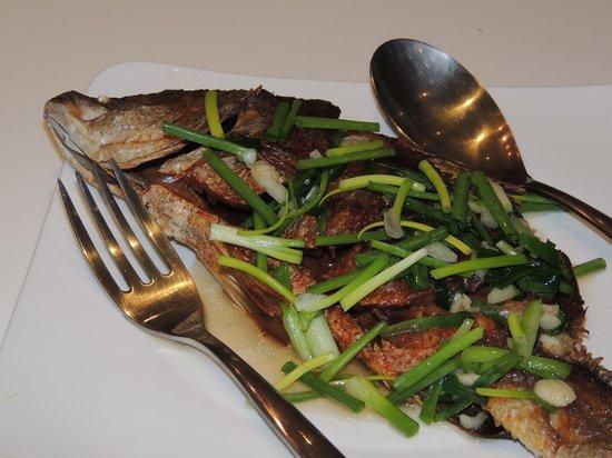 Lotus Samui: Fried fish