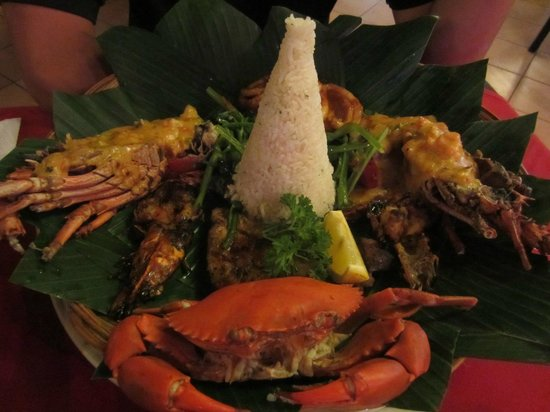 Sendok & Bar Restaurant: Mixed Seafood Basket