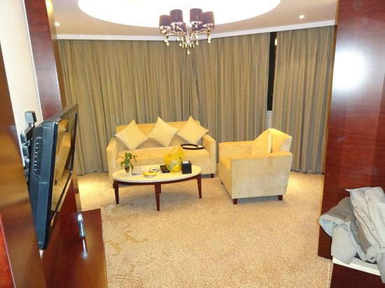Prince Hotel : renovated new rooms/suite, enterence room