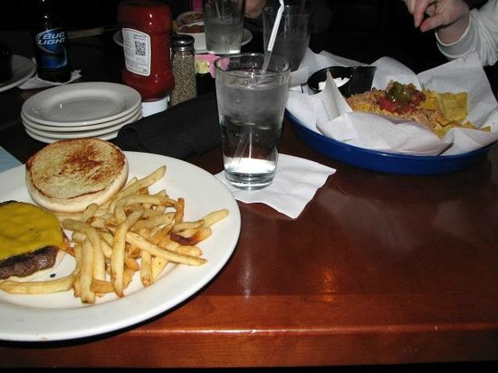 Toby Keith's I Love This Bar & Grill: Dinner