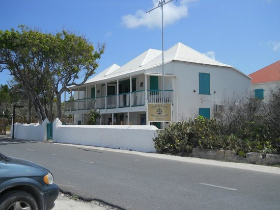 Turks & Caicos National Museum: The Museum is in a clasic colonial era house on the water front.