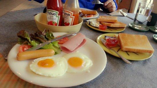 DoiTung Lodge : อาหารเช้าที่ครัวพระตำหนัก