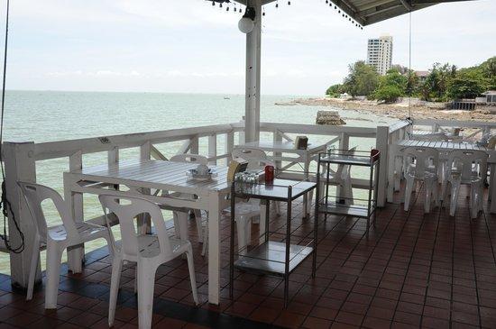 Bangsaen Villa Hotel: สถานที่ทานอาหารเช้า ปะการัง
