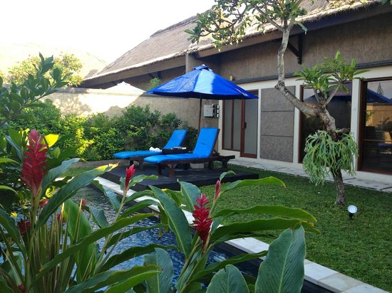 Bali Rich Luxury Villa: pool area-one bedroom deluxe villa