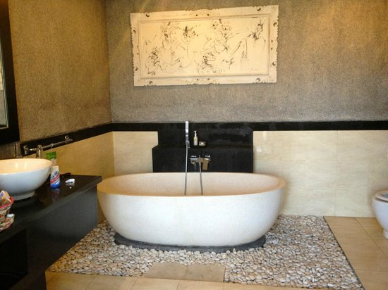 Bali Rich Luxury Villa: bathroom-one bedroom deluxe villa