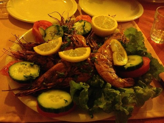 Faros Villa: We told Mum we would like to have seafood for dinner