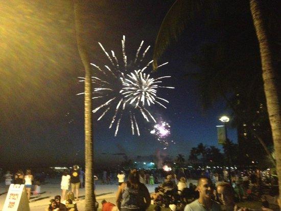 Friday Night Fireworks at Hilton Hawaiian Village Waikiki Beach Resort: Fireworks