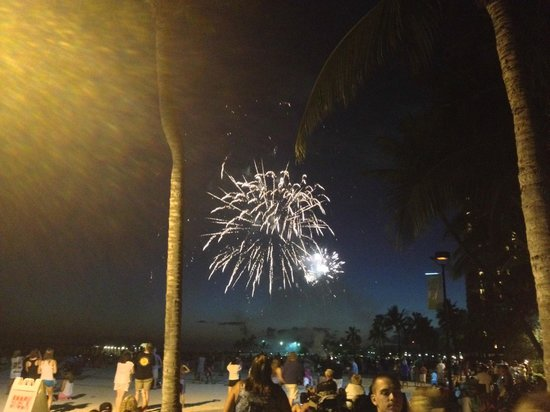 Friday Night Fireworks at Hilton Hawaiian Village Waikiki Beach Resort: Fireworks