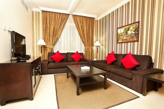 Asfar Hotel Apartment: One Bedroom living room