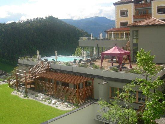Hotel Alpenflora: VUE EXTERIEURE