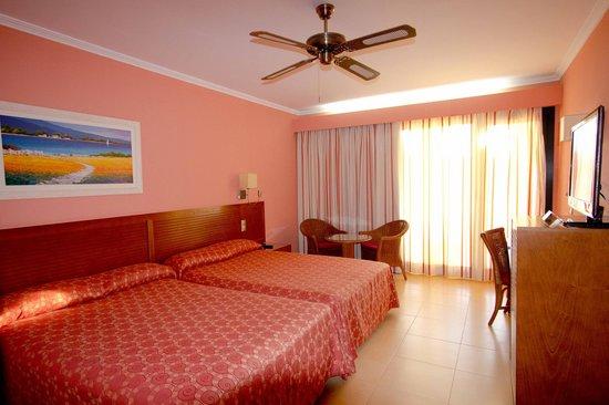 Playamarina Spa Hotel: Habitación