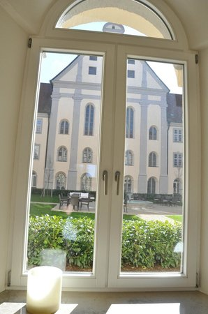 Kloster Holzen Hotel: view from one side to the other.