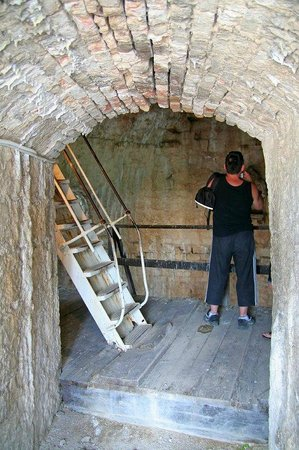 Fortress Kamerlengo: Ladder