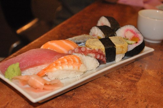 KouGen: Close up of the Sushi