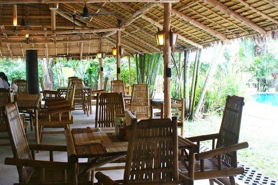 Baan Mai: Un lieu paisible pour y déjeuner ou dîner