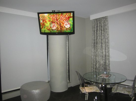 Art Series - The Olsen: Dining Area of Suite