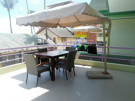 Shore Time Hotel Boracay: Veranda