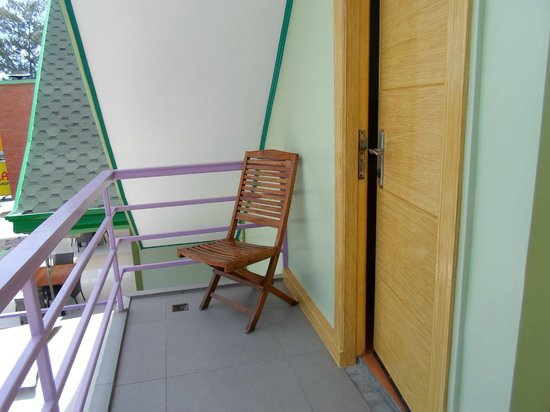 Shore Time Hotel Boracay: veranda second floor