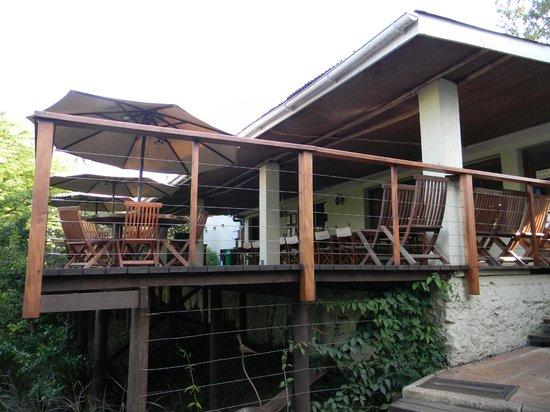 Wildebeest Eco Camp: Dining area