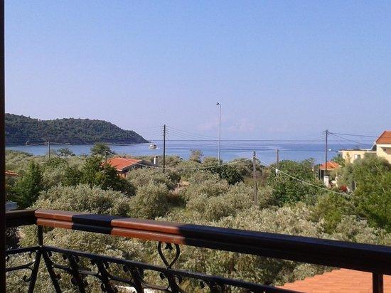 Hotel Makedonia: Uitzicht vanaf balkon kamer 16