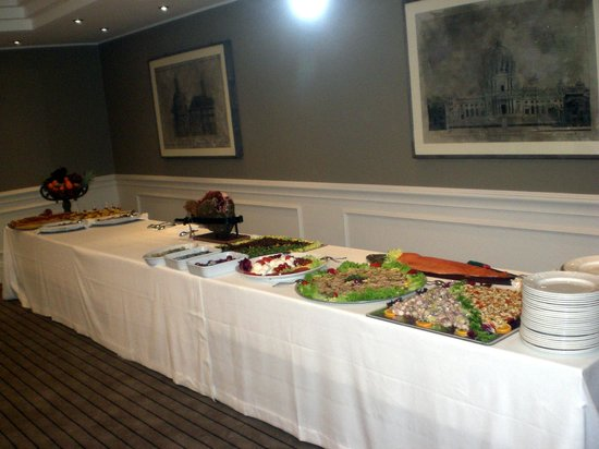 Hotel Touring : Buffet con servizio servito