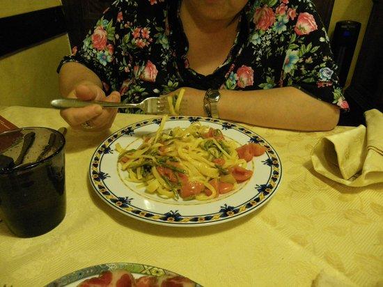 Osteria La Vecchia Posta: stingozzi in bianco con pomodorini e asparagi selvatici