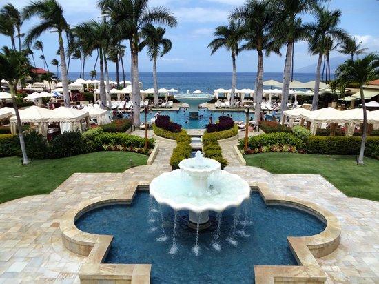 Four Seasons Resort Maui at Wailea: Not So Common, Common Areas :)