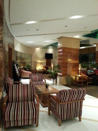 Avenue Hotel: reception lobby area