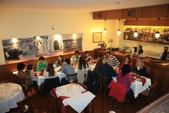 captain s table alvor restaurant reviews phone number photos rh tripadvisor com captains table restaurant ocmd captains table restaurant ocmd