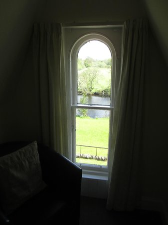 Coach House Hotel: One of the smaller windows in our room