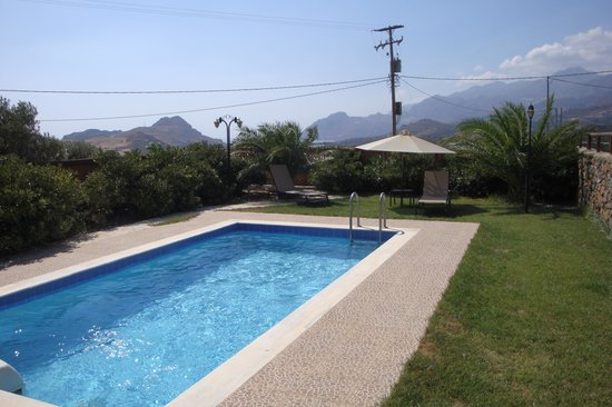Gasparakis Villas & Bungalows : The swimming pool