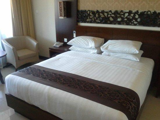 Ari Putri Hotel: Our Room
