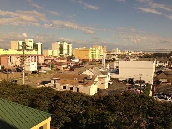 La Quinta Inn & Suites Virginia Beach : View from room 501