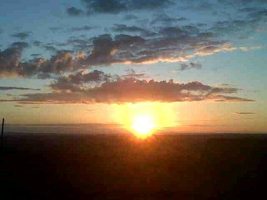 Coombe Barn Holidays: Sunset