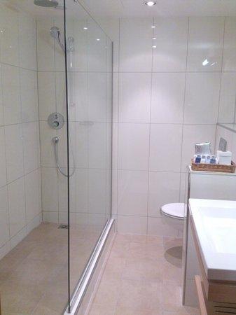 Hotel Continental Zurich - MGallery by Sofitel: Bathroom