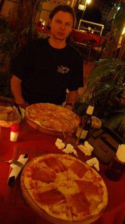 Pum Pui Italian Restaurant: The best pizza!