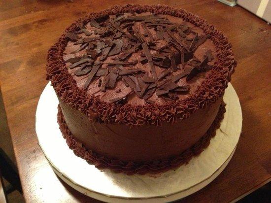 Crave Cafe & Bakery: Custom Chocolate Cake