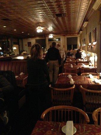 McPhee's Grill : interior