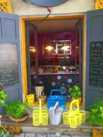 Les Filles du Patissier : A peek behind the counter