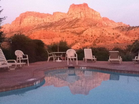 Majestic View Lodge: View from the Pool