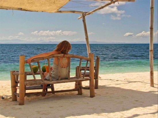 AABANA Beach & Watersport Resort Malapascua: me myself having morning siesta :o)