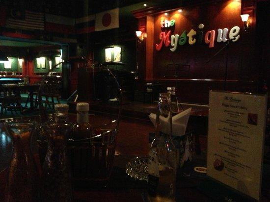 Ramada Hotel Bahrain: Mystique Bar/Dinning