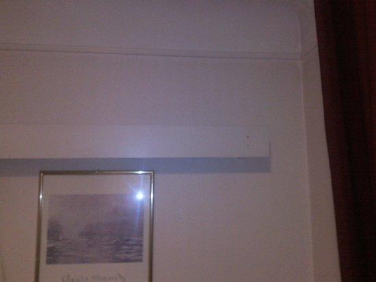 Ambassadeur Hotel : Décoration de la chambre