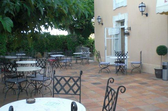 Hotel du Parc : Cour avant