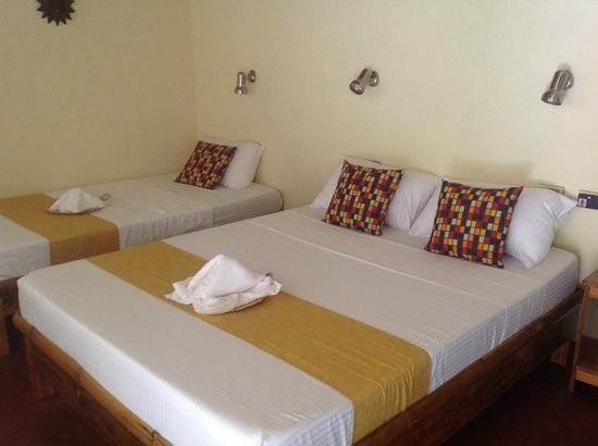 Camiguin Volcan Beach Eco Retreat & Dive Resort: Inside our room