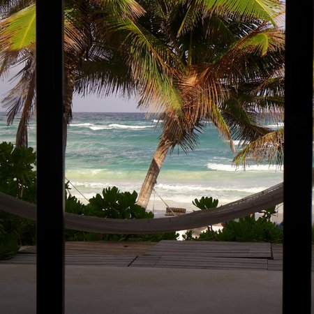 The Beach Tulum : Incredible view from the bed!