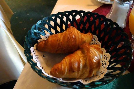 Hotel Bavaria: Croissant