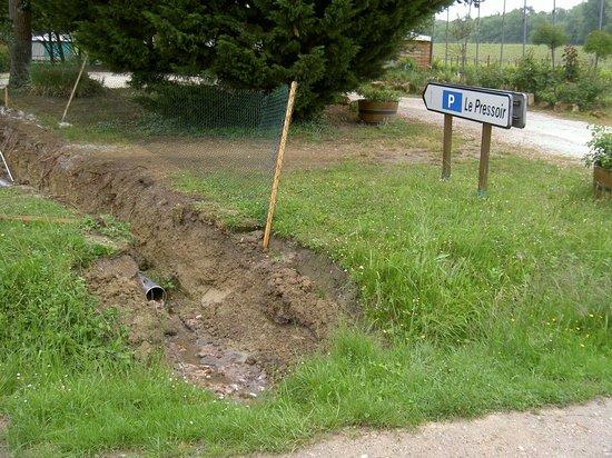 Camping Le Pressoir: vide sanitaire  ??????